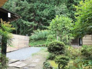 飛騨高山 飛騨の里 古民家 子連れ ランチ 庭 松倉山荘